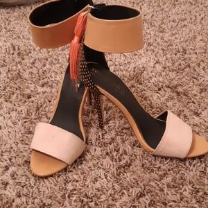 Kendall & Kylie by Madden Girl size 7 on High ÷a